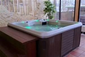 Whirlpool Badewanne Kaufen : whirlpool badewanne test vergleich vieler wirlpools ~ Watch28wear.com Haus und Dekorationen