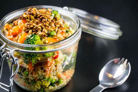 cuisine été recette une salade de quinoa à emporter
