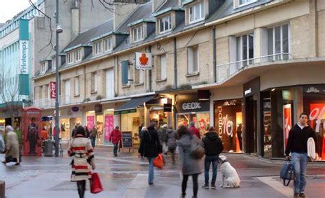 caen les magasins du centre ville ouverts le premier dimanche des soldes