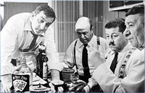tonton flingueurs cuisine les tontons flingueurs la scène de la cuisine de deux