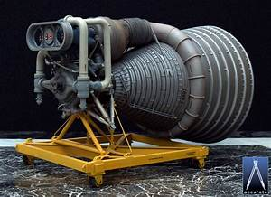 Accurate Models 1 20 Saturn V F1 Rocket Engine Kit