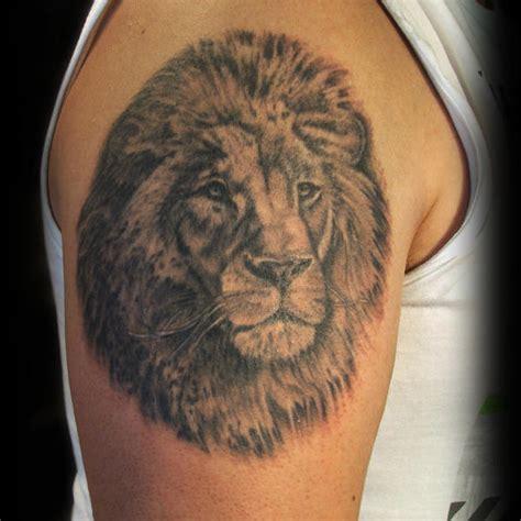 tatouage tete de lion cochese tattoo