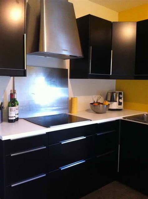 cuisine gris noir cuisine indogate cuisine blanche mur bleu canard cuisine