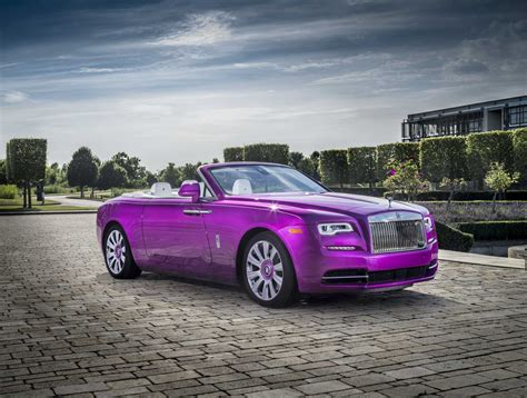 Rolls Royce Car : Rolls-royce Motor Cars Delivers On A Bespoke Color