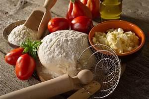 Italian Pizza Dough Recipe with 00 Flour | Sensibus.com