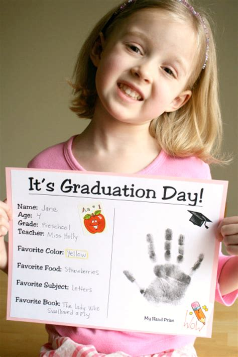 two ways to celebrate graduation day make and takes 463 | Preschool Graduation Certificate to Make