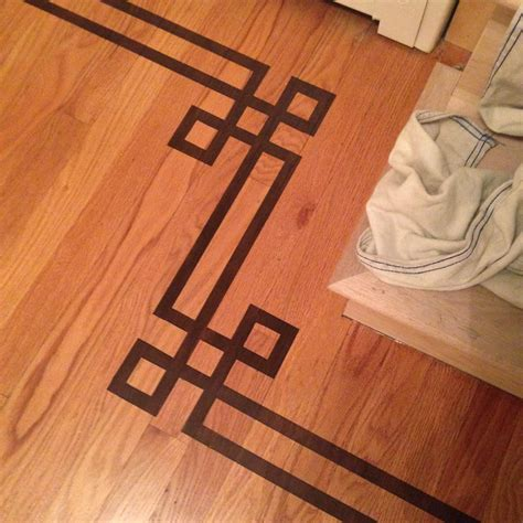 Kitchen Redo Ideas - gorgeous shiny things painted faux inlay floor border with printable template