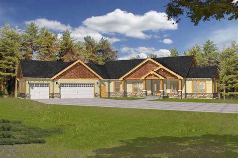 craftsman ranch  law suite house plans home design rdi  db