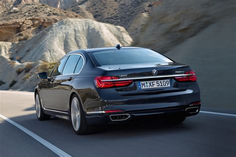 New 7series Bmw by Bmw Points Fingers With All New 7 Series 2016 Bmw 7 Series