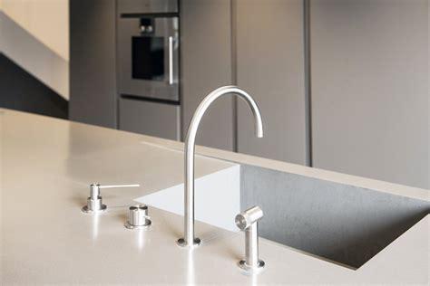 egouttoir cuisine mobilier résidentiel solid surface aménagement caluire