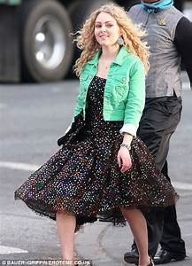 Chloe Bridges plays popular girl Donna Ladonna on The ...