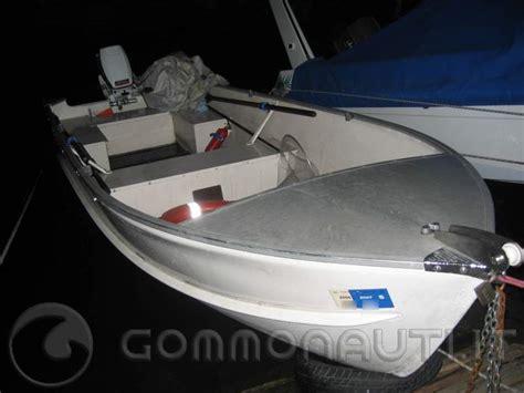 Cerco Poltrona Per Pedicure Usata : Cerco Barca Usata Canadian 370 Oppure 430 Per Pesca In