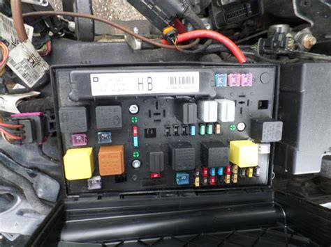 Fuse Box Opel Astra Gtc by Used Opel Astra H Gtc L08 1 8 16v Fuse Box 13206754hb
