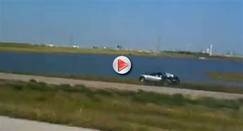 Bugatti Into Lake by Audi Car Bugatti Veyron Lake Crash On