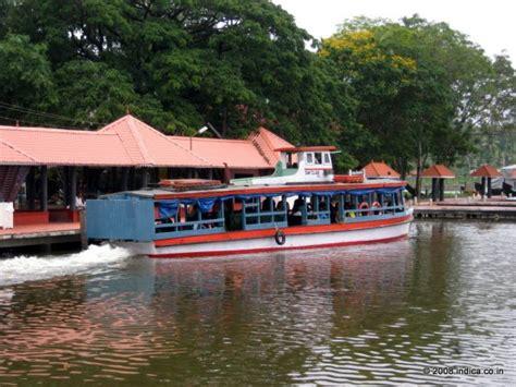 Boat Service Kerala by Kerala Travel Tips Kerala Backwaters On A Shoestring Budget