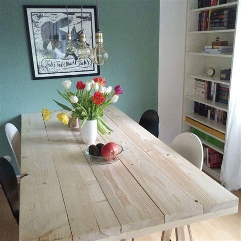 len wohnzimmer günstig diy projekt ein tisch aus baudielen garten baudielen diy holztisch und tisch bauen