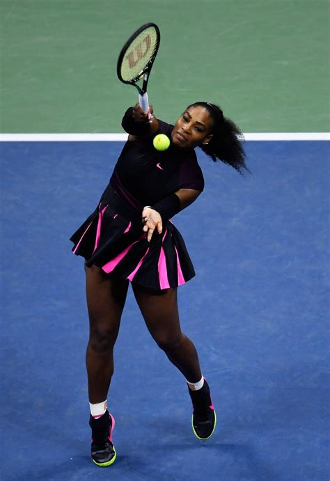 La tenista serena williams, una de las afortunadas invitadas al evento británico del año, vistió unas a continuación, diez zapatillas que como las suyas de valentino pueden servir a las invitadas que no. Los mejores autendos de Serena Williams en el Us Open