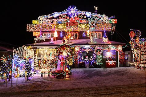 outlandish and awesome christmas lights in toronto