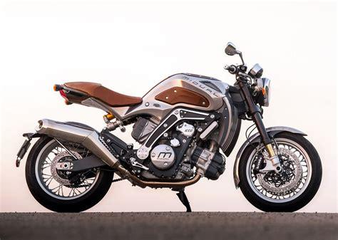 une moto 100 made in la fonderie et piwi