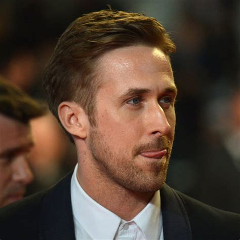 Ryan Gosling With Daughter's Name on His Hand   Pictures
