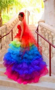 robe de mariã e de couleur robes de mariée colorées robe de mariée décoration de mariage