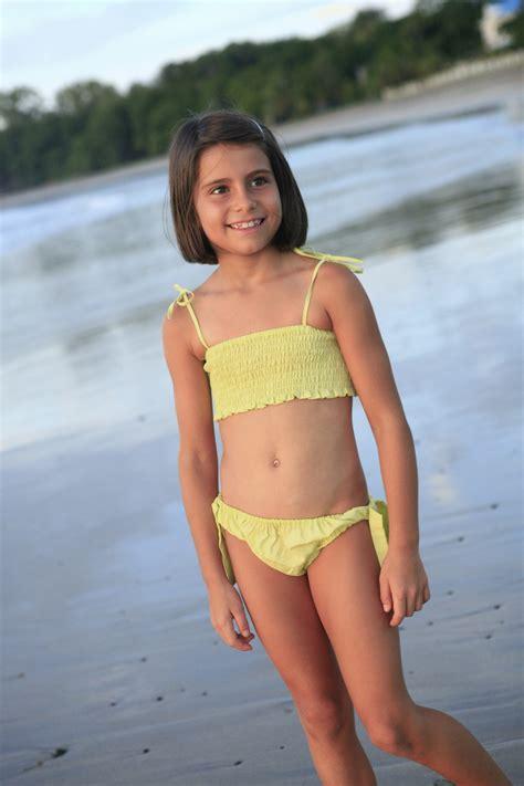 robe de chambre fillette maillot de bain fille ouessant vert anis l 39 orangerie