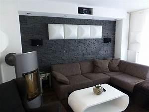 Steinwand Wohnzimmer Tv : kinoraum mit steinwand versteckter beamer living pinterest steine ~ Bigdaddyawards.com Haus und Dekorationen