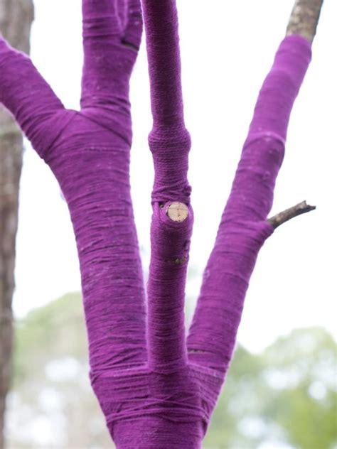 wrap  tree  yarn hgtv