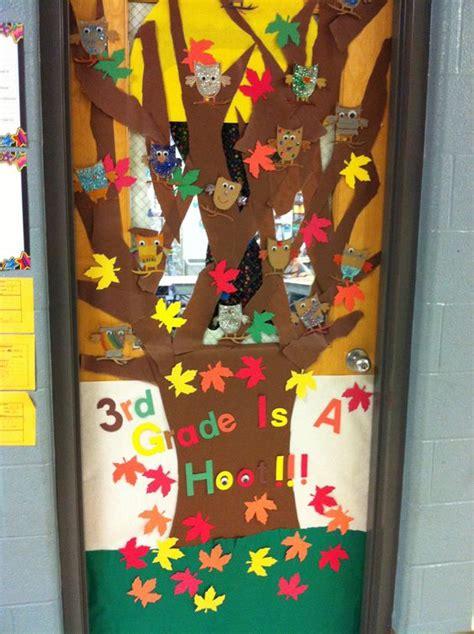classroom door decor      sons  grade