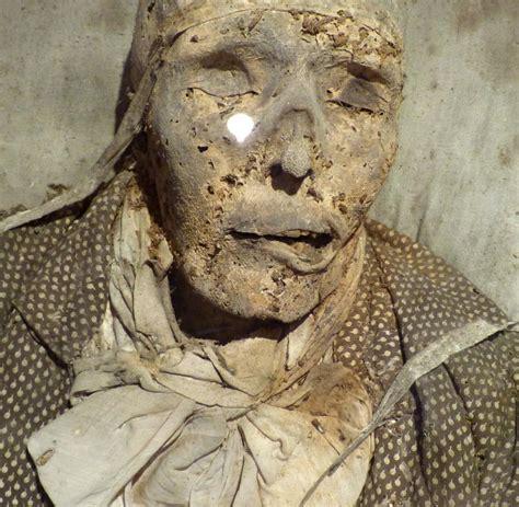 begraebniskultur totengraeber duerfen mumien ausgestellt
