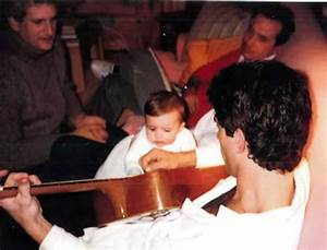 John Kennedy Jr. plays the guitar for his niece, Rose ...