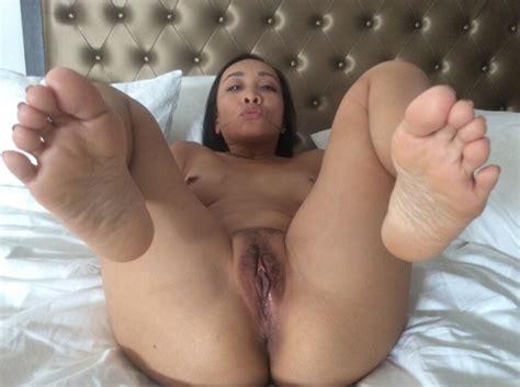 amateur asian milf sammi spreads free porn