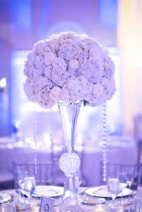 White and Silver Wedding Centerpiece Ideas
