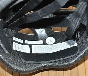 Casque De Protection Bébé : casque bleu de protection toys r us taille 48 53 cm ~ Dailycaller-alerts.com Idées de Décoration