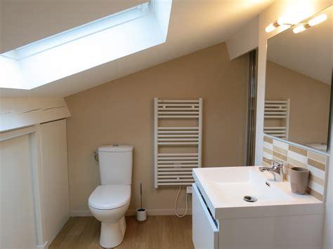 salle de bain dans chambre sous comble rénovation d 39 une mini salle de bain sous combles home