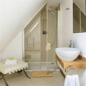 une salle de bain sous pente ou sous combles en 52 photos With exemple de salle de bains sous comble