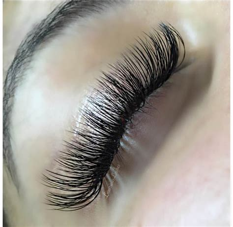 eyelash extension floor l lash tip tuesday for the lash newbie bella lash blog