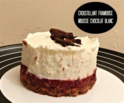 croustillant framboise et mousse au chocolat blanc chroniques d une chocoladdict