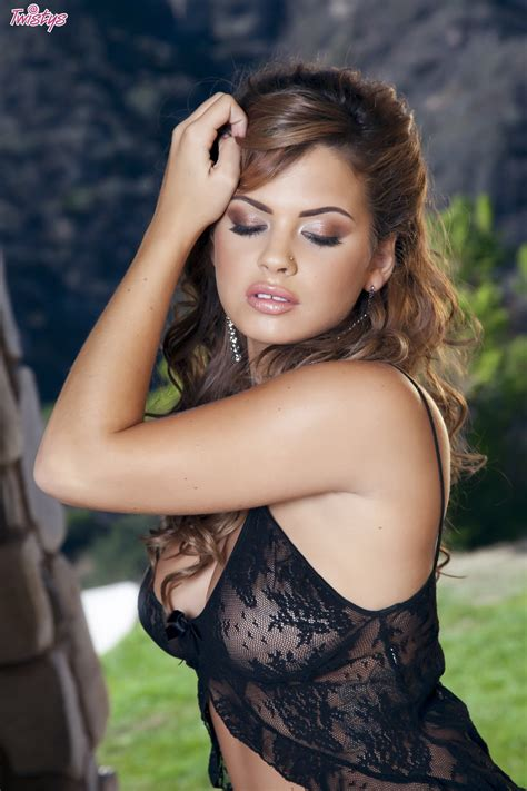 keisha grey wallpapers images  pictures backgrounds