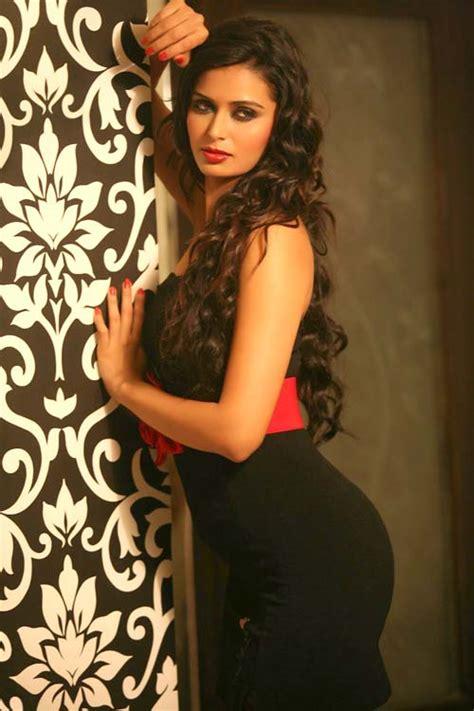 Actress Meenakshi Dixit Hot Photos Dbskfinaldream