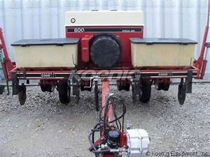1981 International 800 Planter  2522975e  In Logansport