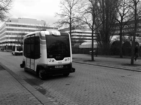 Paris Rolls Out Driverless Bus Service To Fight Pollution