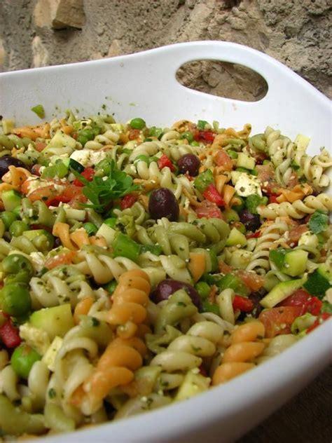 salade multicolore au pistou chez lorette la table de l