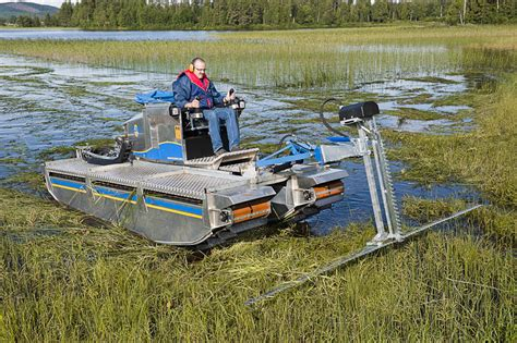 Mini Jet Boat Occasion by Truxor Hire Hibious Cutting Harvesting Silt Removal