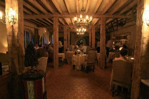 Restaurant Domaine De Villeray, Condeau  Restaurant Avis. Yin Serviced Apartments. Costa D'Este Beach Resort Hotel. Royal Orchid Resort & Convention Centre. Athena Hotel