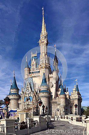 front view  cinderella castle  walt disney world