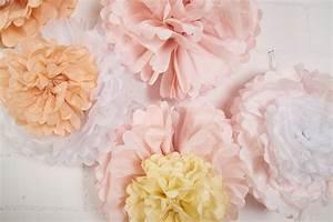 bouquet de pompons pastel des idees pour un joli mariage With affiche chambre bébé avec gros bouquet de fleurs pour anniversaire