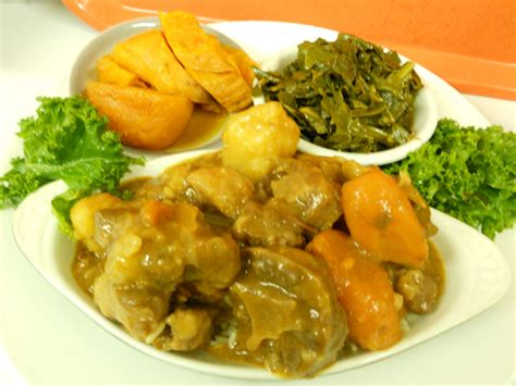 southern cuisine oxtail and rice on