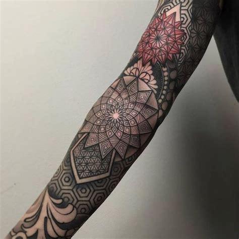 tatouage géométrique homme tatouage g 233 om 233 trique bras entier