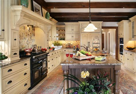Kitchen Design Idea - the enduring style of the traditional kitchen